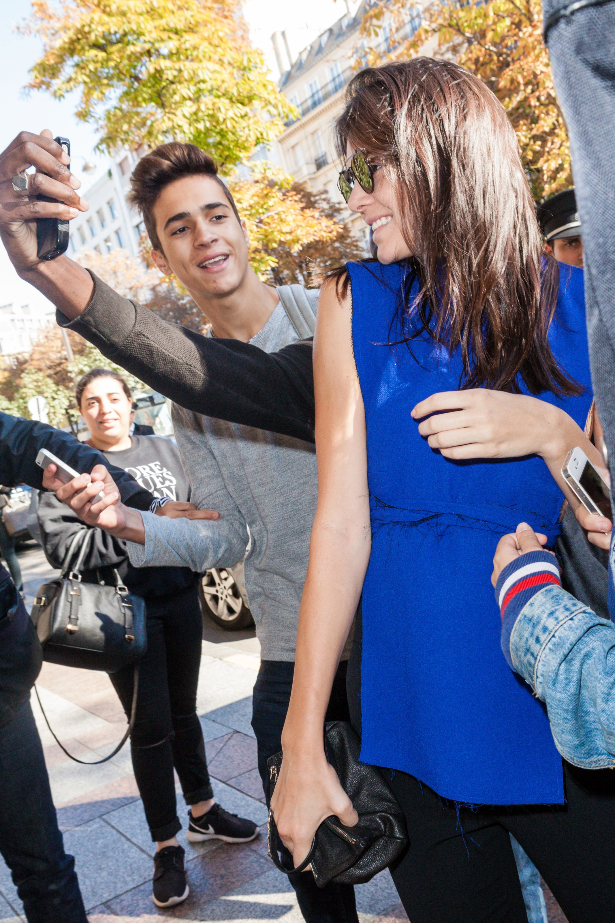Kendall Jenner arriving at the hotel George V in Paris, France on September 30, 2015 as part of Paris Fashion Week. Kendall wearing a blue top and a black pant. Photo by ABACAPRESS.COM