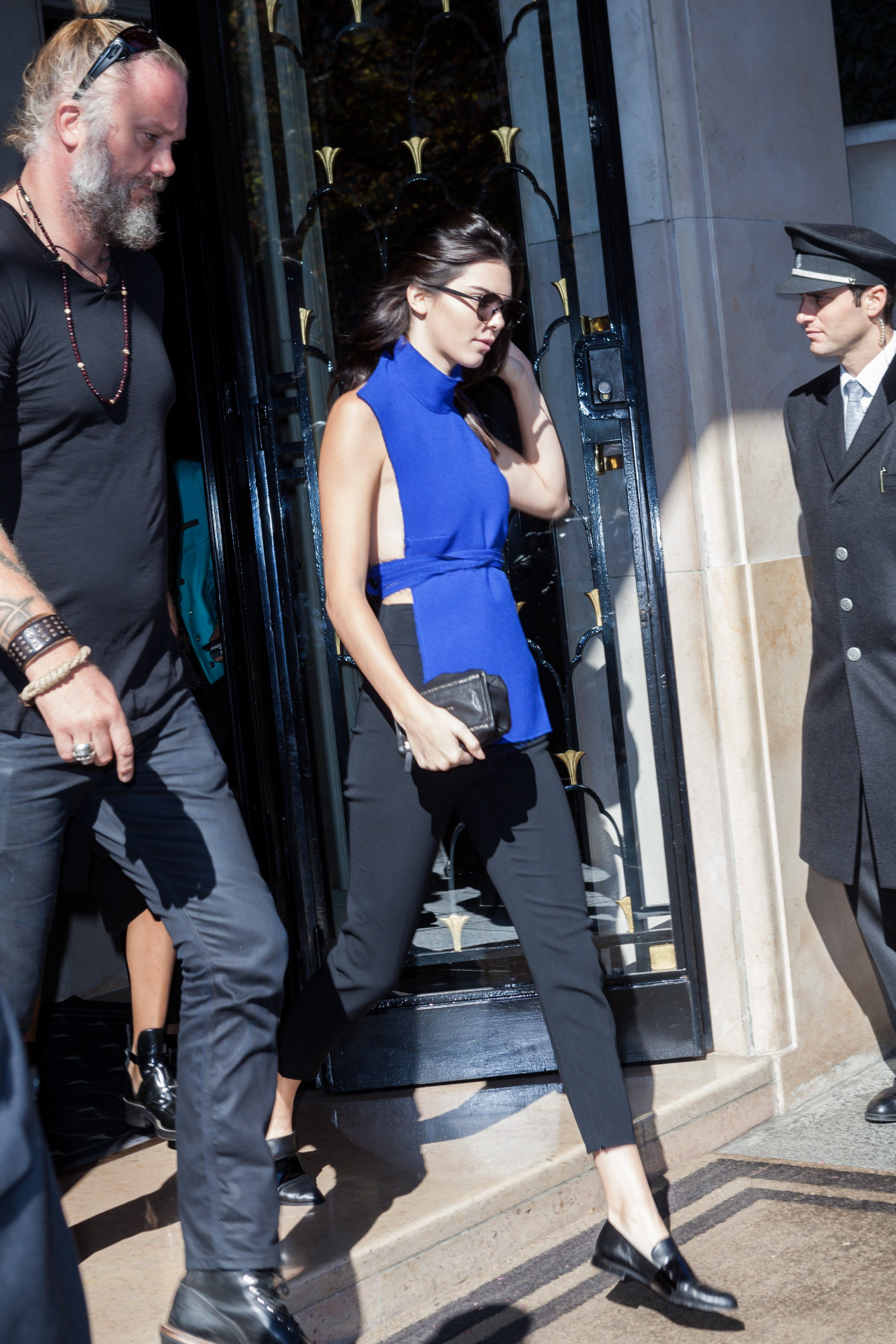 Kendall Jenner leaving the hotel George V in Paris, France on September 30, 2015 as part of Paris Fashion Week. Kendall wearing a blue top and a black pant. Photo by ABACAPRESS.COM