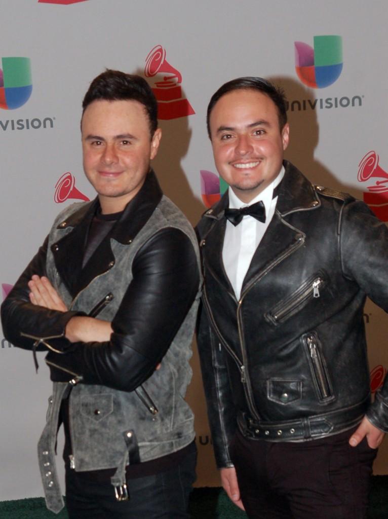 41120213. Las Vegas.- El dueto, Río Roma, durante la alfombra verde de los Grammy Latino 2014. NOTIMEX/FOTO/JUAN COSME/COR/ACE/