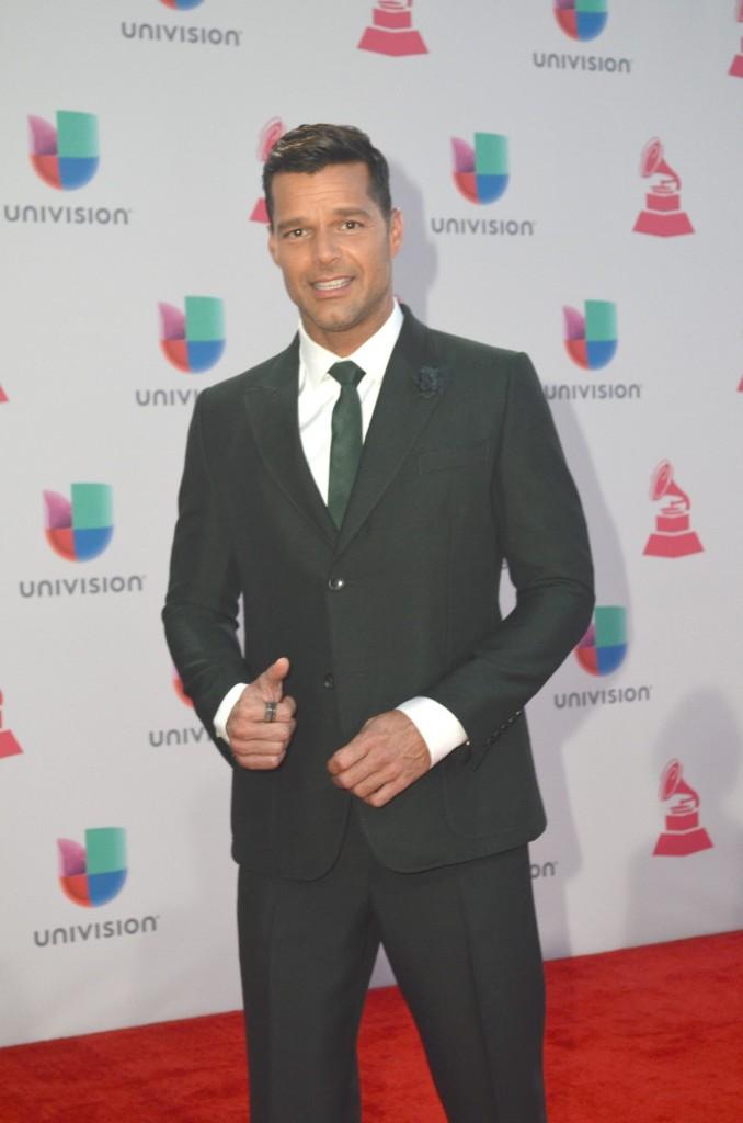 51119212. Las Vegas, 19 nov 2015 (Notimex-Juan Cosme).- Ricky Martin, desfiló por la alfombra roja de la XVI entrega anual del Grammy Latino, hoy en un casino de Las Vegas. NOTIMEX/FOTO/JUAN COSME/COR/ACE