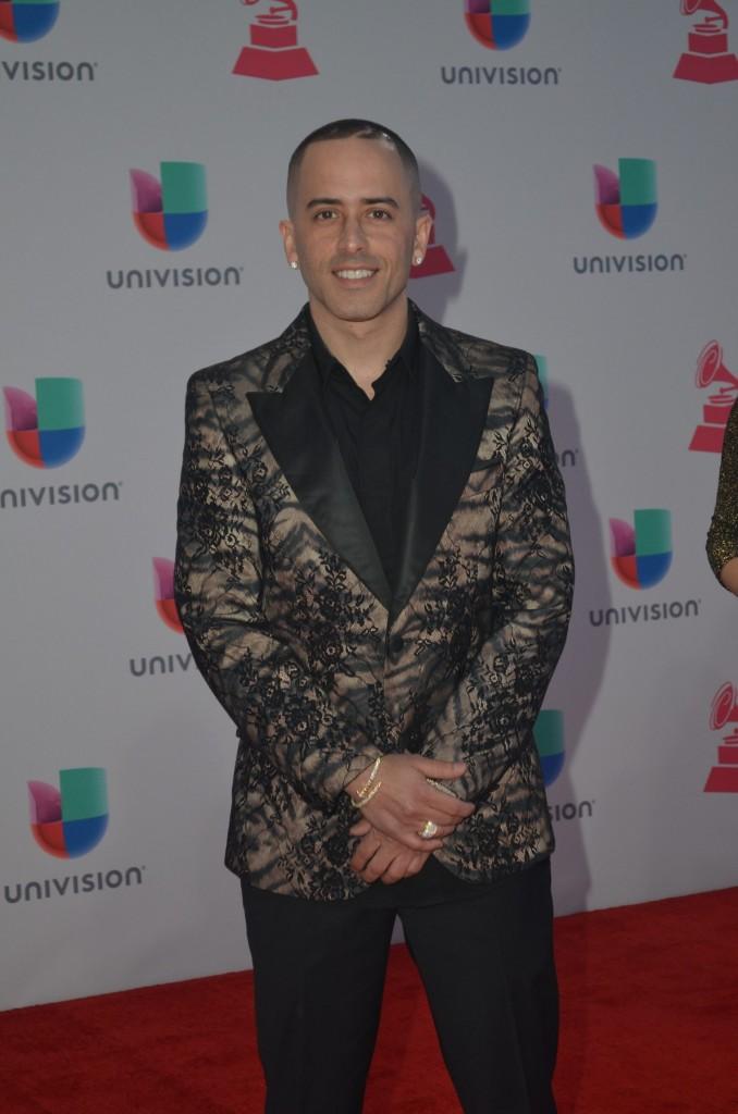 51119213. Las Vegas, 19 nov 2015 (Notimex-Juan Cosme).- Yandel, desfiló por la alfombra roja de la XVI entrega anual del Grammy Latino, hoy en un casino de Las Vegas. NOTIMEX/FOTO/JUAN COSME/COR/ACE