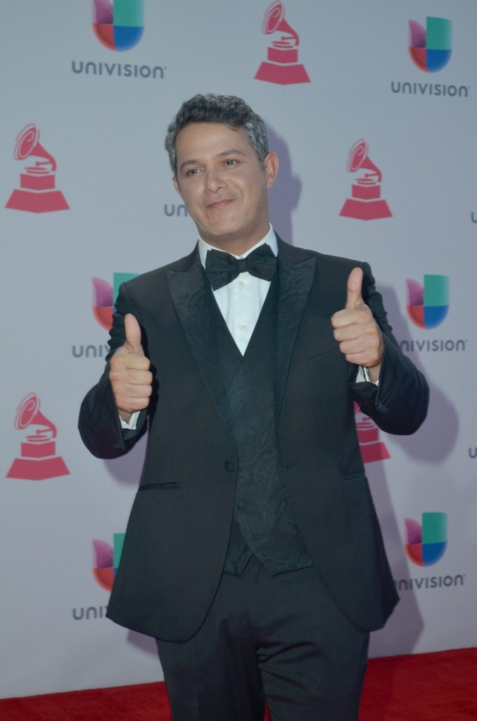 51119217. Las Vegas, 19 nov 2015 (Notimex-Juan Cosme).- Alejandro Sanz, desfiló por la alfombra roja de la XVI entrega anual del Grammy Latino, hoy en un casino de Las Vegas. NOTIMEX/FOTO/JUAN COSME/COR/ACE