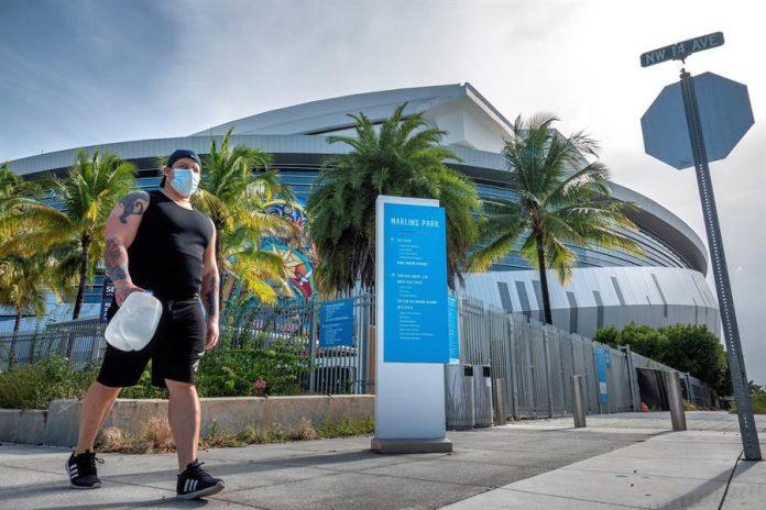 Florida registra un nuevo récord de muertes diarias, con 186